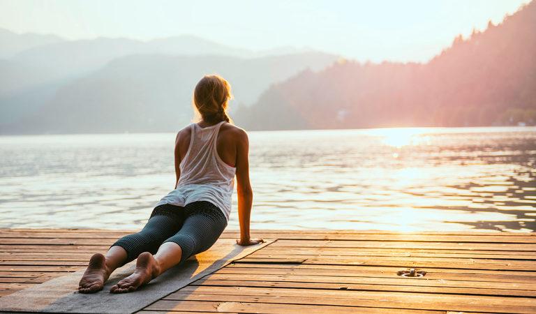 5 простых йога-поз для спины для начинающих