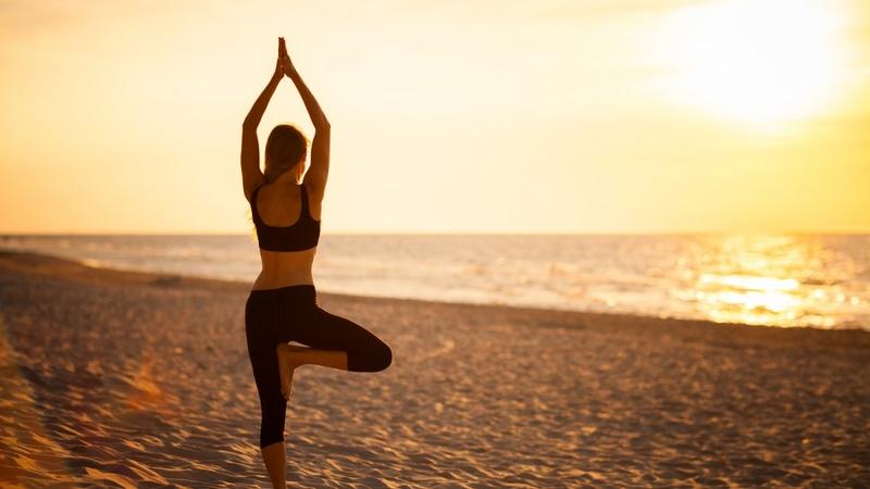 Позы йоги стоя