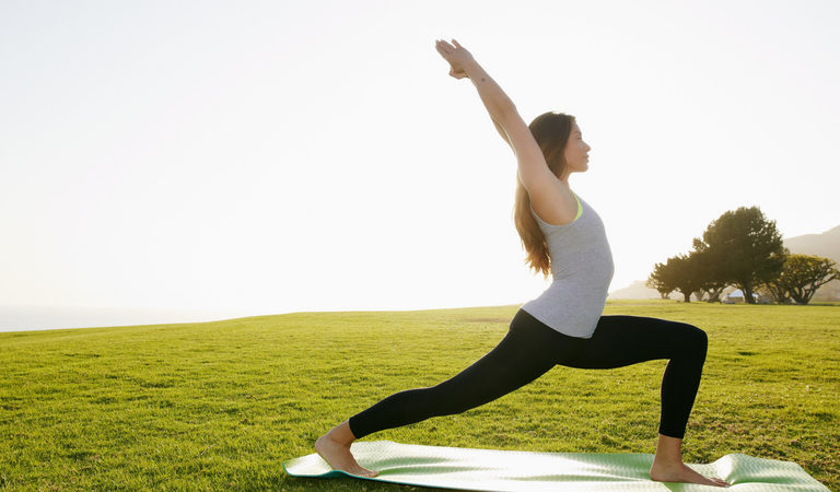 Подборка видео с уроками по йоге для начинающих в домашних условиях