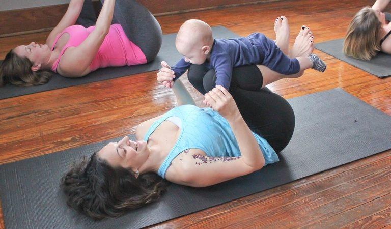 Беби-йога: занимаемся с малышом