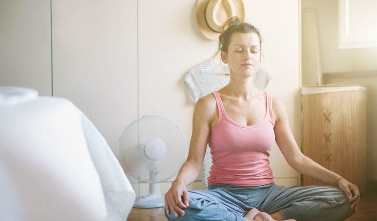 Йога при простуде: помощь в профилактике и лечении