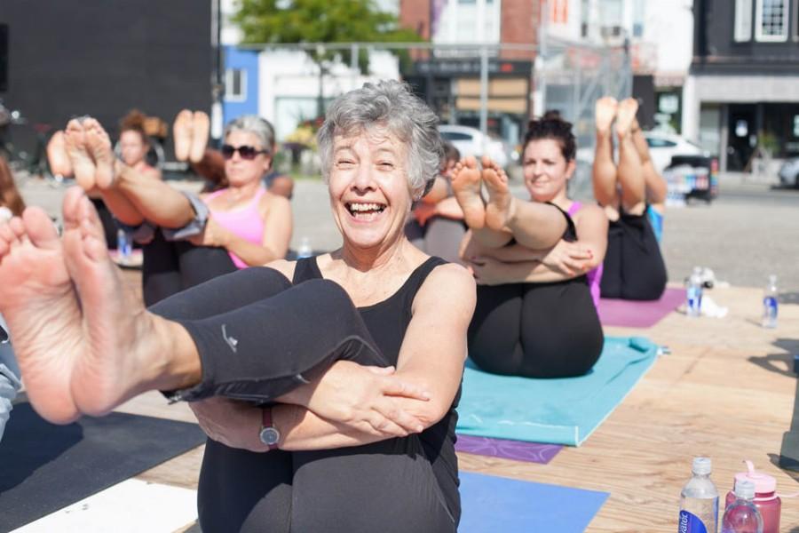 Польза йоги для пожилых людей